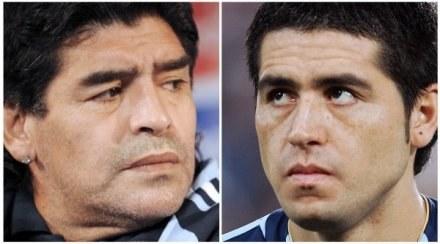 Maradona (z lewej) i Riquelme. Kibice Boca Juniors opowiedzieli się za tym drugim /AFP