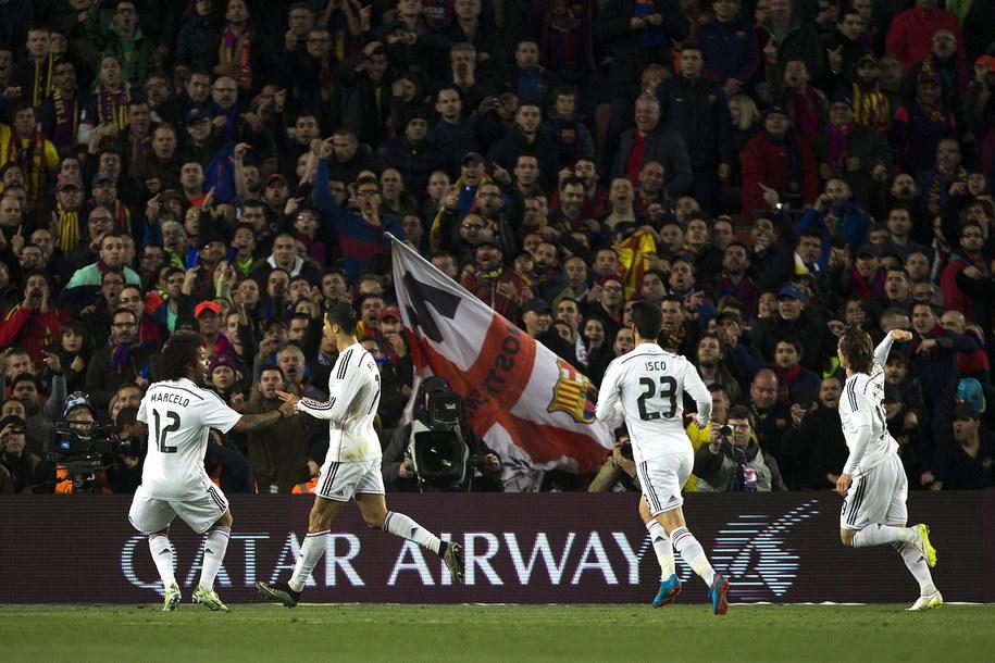 Marcelo, Cristiano Ronaldo, Isco i Luka Modrić cieszą się z gola CR 7 w Gran Derbi /ALEJANDRO GARCIA  /PAP/EPA