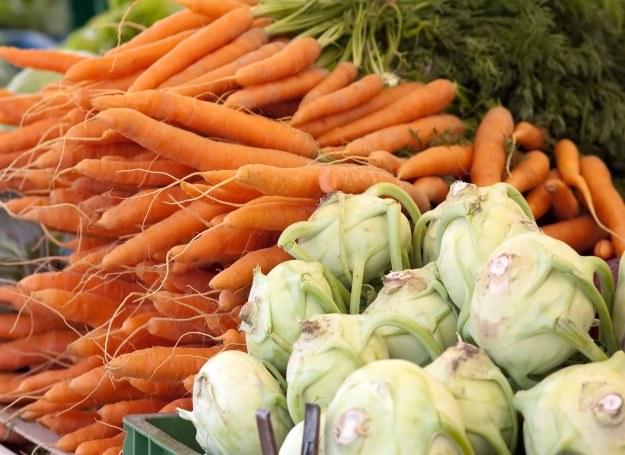 Marchew i kalarepa - smakują świetnie w lekkiej zupie! /©123RF/PICSEL