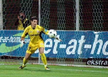 Marcin Cabaj szybko zrozumiał, że lepiej jest grać niż siedzieć na ławie /ASInfo