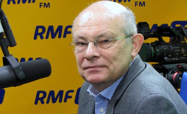 """Marek Borowski: Głosowanie """"na dwie ręce"""" powoduje erozję wiary w Polskę"""