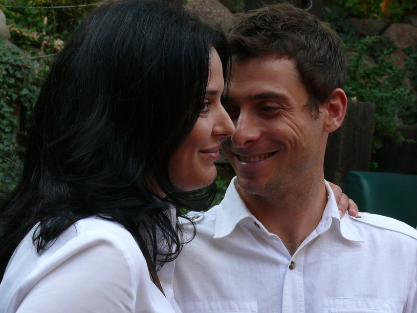 Marek (Kacper Kuszewski) chce wyplątać się z romansu, ale Grażyna (Bożena Stachura) zrobi wszystko, by go zatrzymać. /Tomek Piekarski /MWMedia