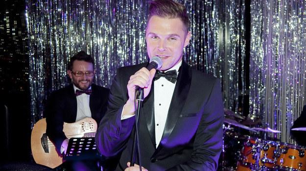 Marek Kaliszuk jest nie tylko aktorem serialowym i teatralnym, ale także ma swój zespół muzyki klubowej. /Grabarski Damian /AKPA