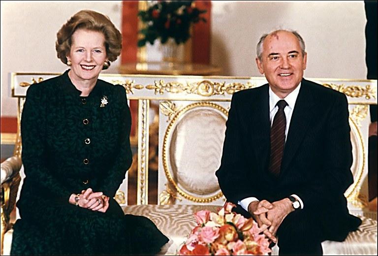 Margaret Thatcher i Michaił Gorbaczow podczas spotkania na Kremlu w marcu 1987 r. /AFP