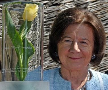 Maria Kaczyńska w ogrodzie