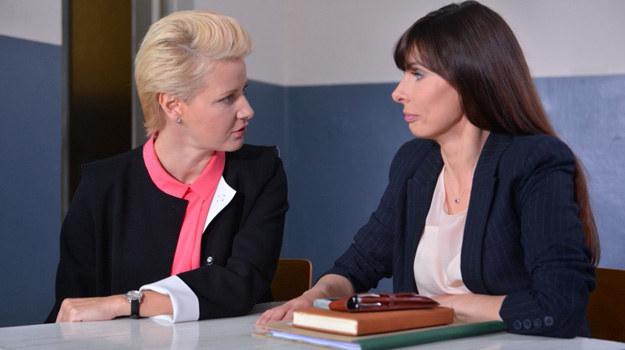 Maria przyzna się Agacie, że kiedy odchodziła z kancelarii była już w 3. miesiącu ciąży! /Agencja W. Impact