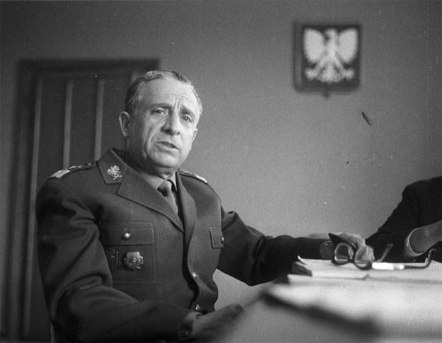 Marian Spychalski, późniejszy marszałek ludowej Polski /Z archiwum Narodowego Archiwum Cyfrowego