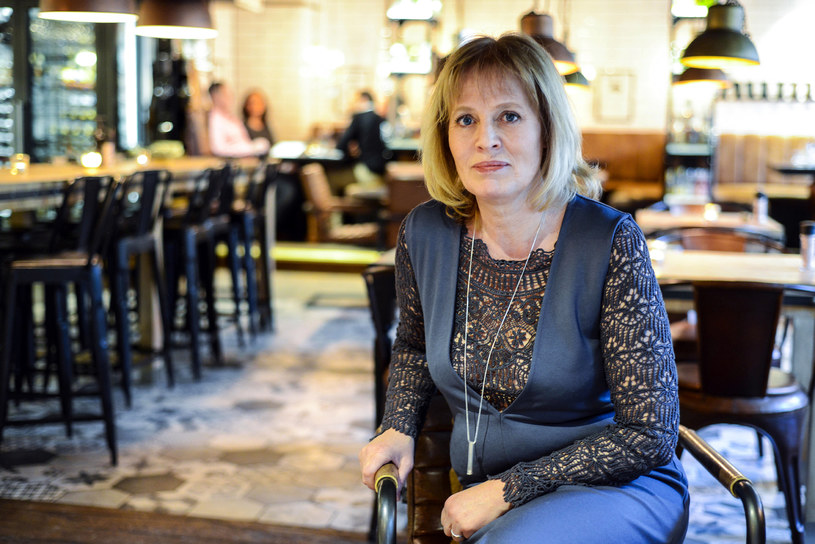 """Mariette Lindstein: """"Mój mąż przeszedł przez to samo co ja. Mogę po prostu powiedzieć 'pamiętasz jak to było' i wiem, że on dokładnie wie, o czym mówię."""" /Styl.pl/materiały prasowe"""