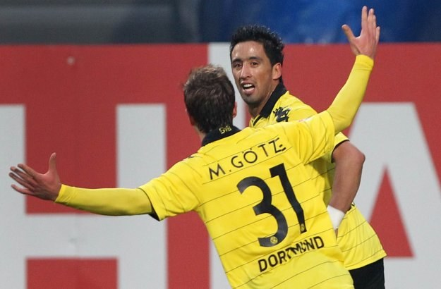 Mario Goetze i Lucas Barrios, czyli strzelcy goli dla Borussii w niedzielnym meczu /AFP