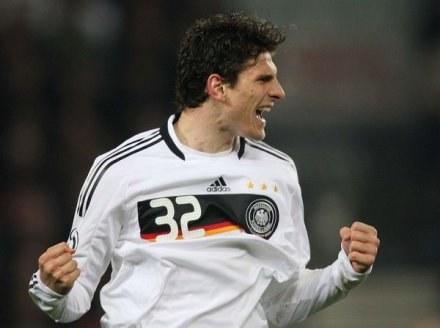 Mario Gomez musi odpocząć chwilę od futbolu /AFP