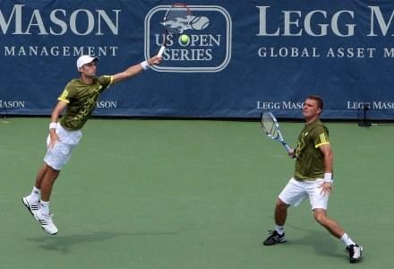 Mariusz Fyrstenberg i Marcin Matkowski w półfinałowym meczu turnieju ATP w Waszyngtonie. /AFP