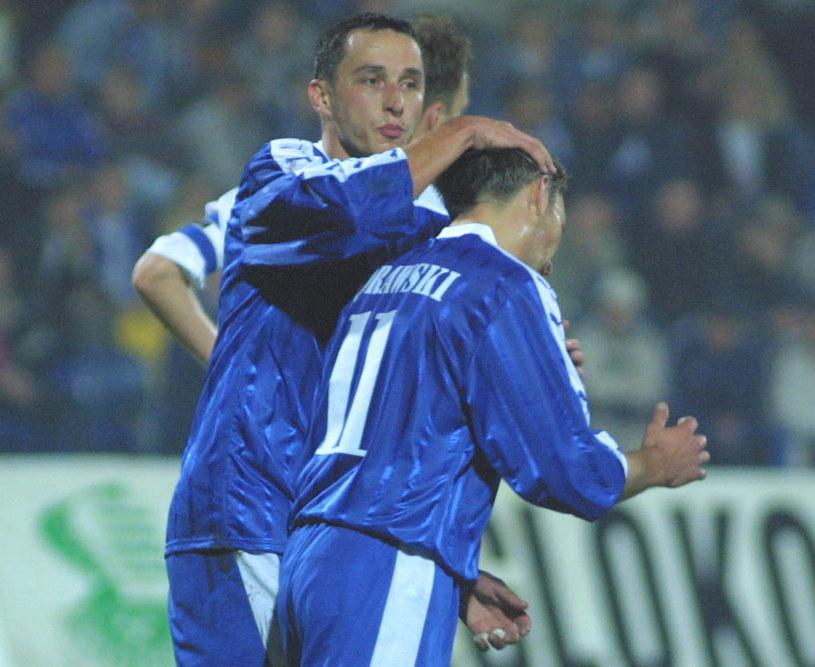 Mariusz Śrutwa (z lewej) i Damian Gorawski w barwach Ruchu Chorzów w 2002 roku /Dariusz Hermiersz /Newspix