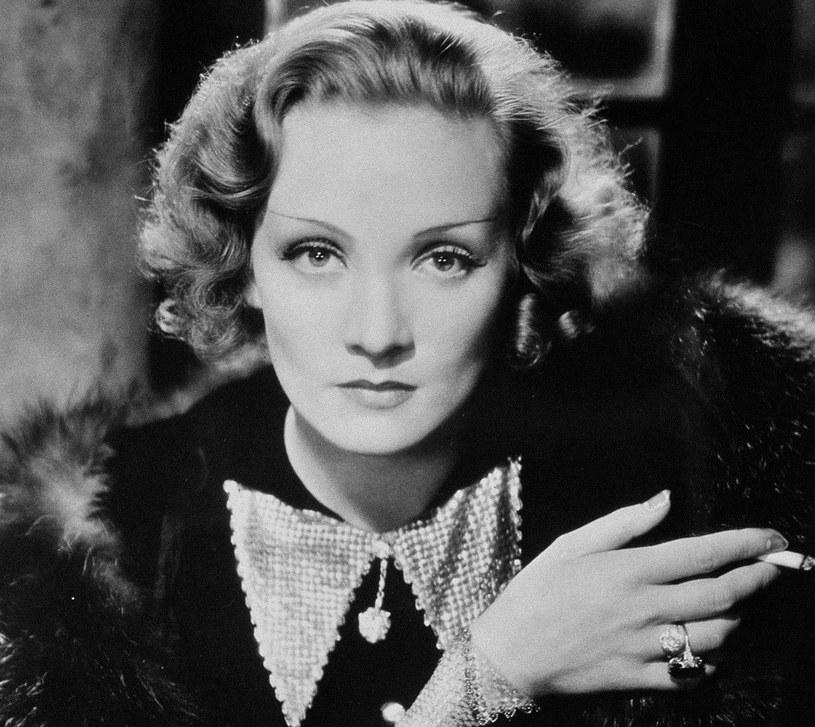 Marlena Dietrich była bardzo świadoma tego, jak ważną rolę w tworzeniu idealnego wizerunku odgrywają makijaż i oświetlenie /East News