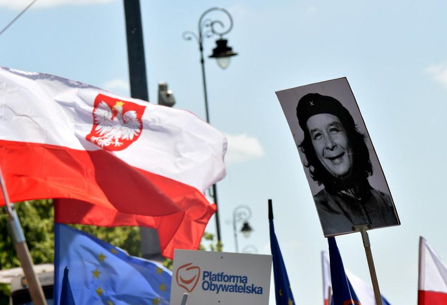 Marsz KOD i opozycji /Radek Pietruszka /PAP