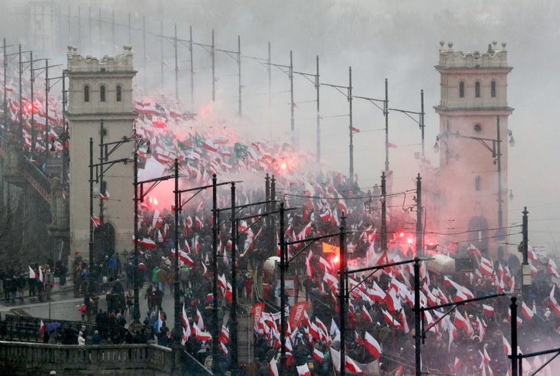 Marsz Niepodległości na moście Poniatowskiego /Paweł Supernak /PAP