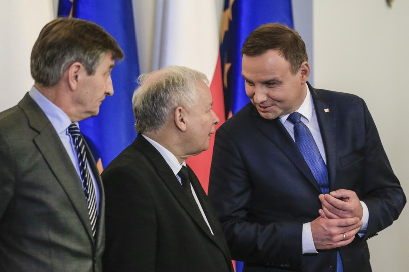 Marszałek Sejmu Marek Kuchcinski, prezes PiS Jaroslaw Kaczynski i prezydent Andrzej Duda /Andrzej Iwańczuk/Reporter /Reporter