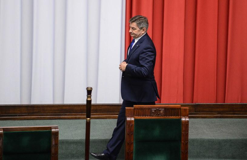 Marszałek Sejmu Marek Kuchciński przed blokiem piątkowych głosowań w Sejmie /Jakub Kamiński   /PAP