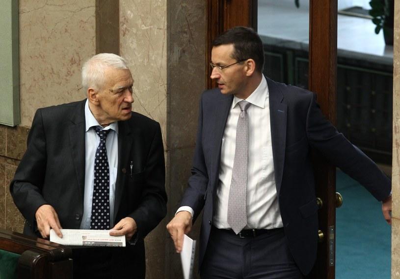 Marszałek senior Kornel Morawiecki i wicepremier Mateusz Morawiecki /STANISLAW KOWALCZUK /East News