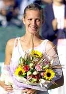 Marta Domachowska z trofeum za udział w finale w Seulu /AFP