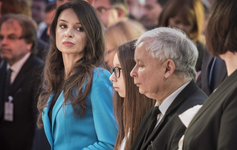 Marta Kaczyńska ze stryjem Jarosławem Kaczyńskim na konferencji /Jacek Domiński /Reporter