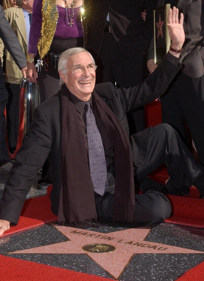 Martin Landau ze swoją gwiazdą w Hollywoodzkiej Alei Sławy /Vince Bucci /Getty Images
