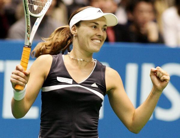 Martina Hingis awansowała do finału turnieju WTA w Tokio /AFP