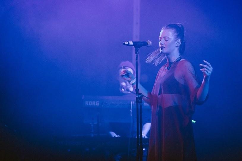 Martina M na jednym z koncertów w ramach trasy z Alkopoligamią /ishootmusic /materiały prasowe