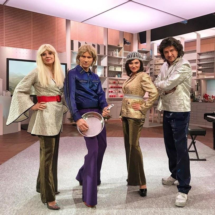 Marzena Rogalska jako członkini zespołu ABBA? Obok niej Tomasz Kammel oraz Marzena Kawa i Krzysztof Rześniowiecki /Facebook