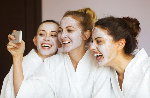 Maseczki z naturalnych składników doskonale odżywią twoją skórę /123/RF PICSEL