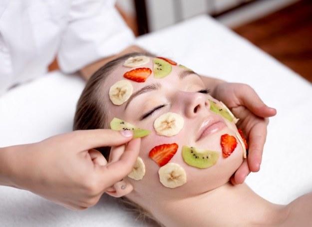 Maseczki z owoców czy naturalna pielęgnacja w gabinecie kosmetycznym? Wybór należy do ciebie /123RF/PICSEL