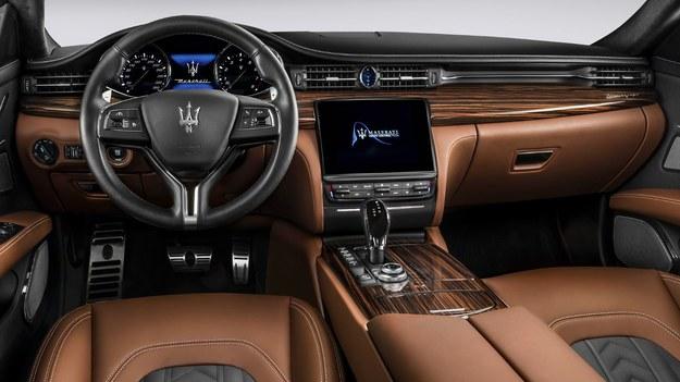 Maserati Ghibli GranLusso /