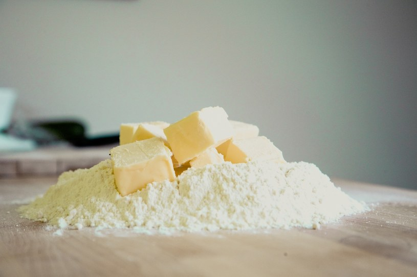 Masło usunie plamy z żywicy /visualhunt /Internet