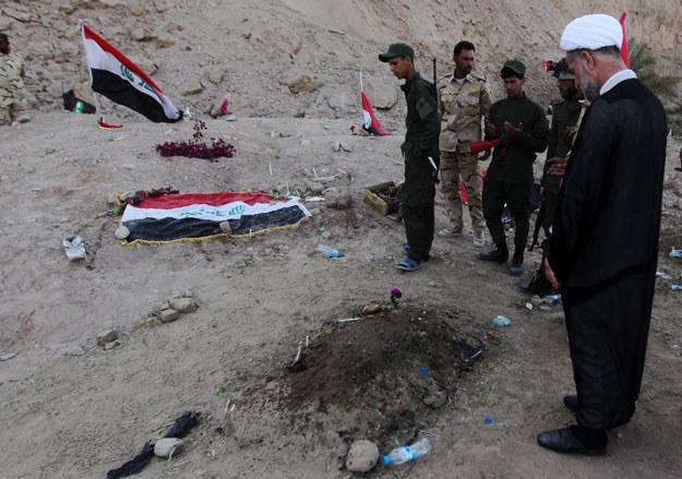 Masowe groby w Tikricie fot. Ahmad Al-Rubaye /AFP