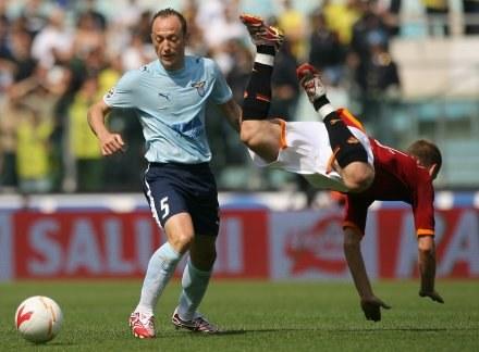 Massimo Mutarelli (z lewej) - strzelec gola dla Lazio /AFP