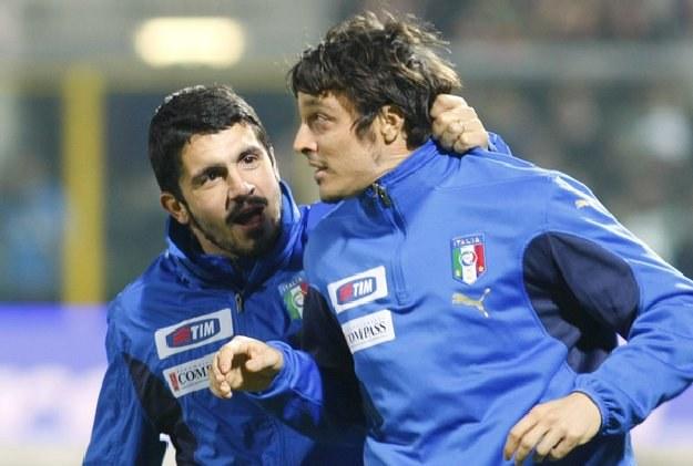 Massimo Oddo (z prawej) jeden z piłkarzy reprezentujący związki zawodowe (AIC) /AFP