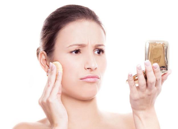 Masz problemy z cerą? To wina przemęczenia i braku witamin /©123RF/PICSEL