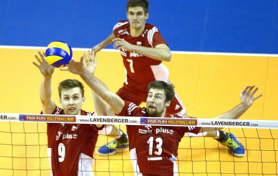 Mateusz Bieniek (po lewej), Michał Kubiak i Karol Kłos (z tyłu) /Darek Delmanowicz /PAP