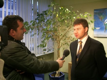 Mateusz Filipp jako prezes Stoczni Gdynia udziela pierwszego wywiadu TV3 /portalpomorza.pl