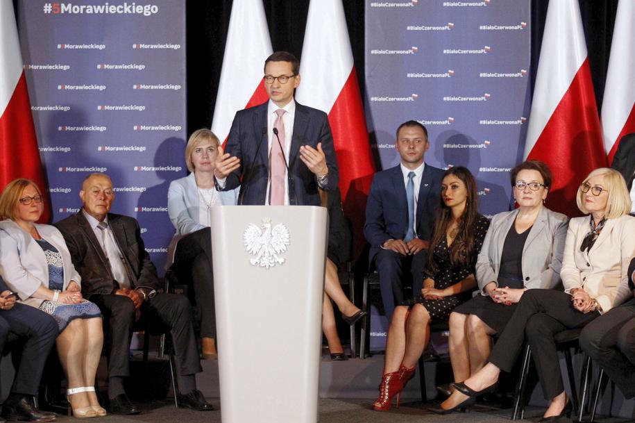 Mateusz Morawiecki podczas spotkania w Bystrzycy Kłodzkiej /Aleksander Koźmiński /PAP