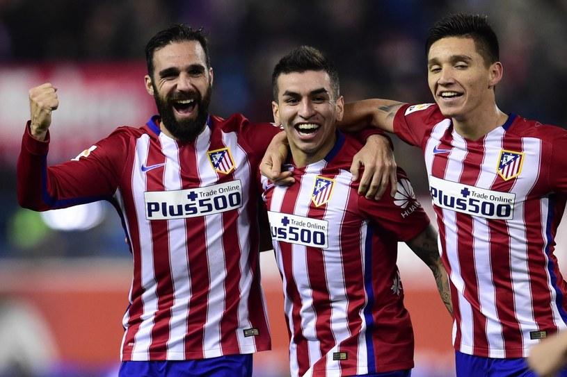 Matias Kranevitter (z prawek) podczas meczu ligowego w Atletico Madryt /AFP