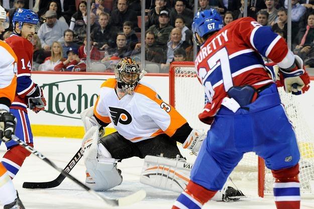 Max Pacioretty (tyłem) dwukrotnie pokonał bramkarza Philadelphia Flyers /AFP