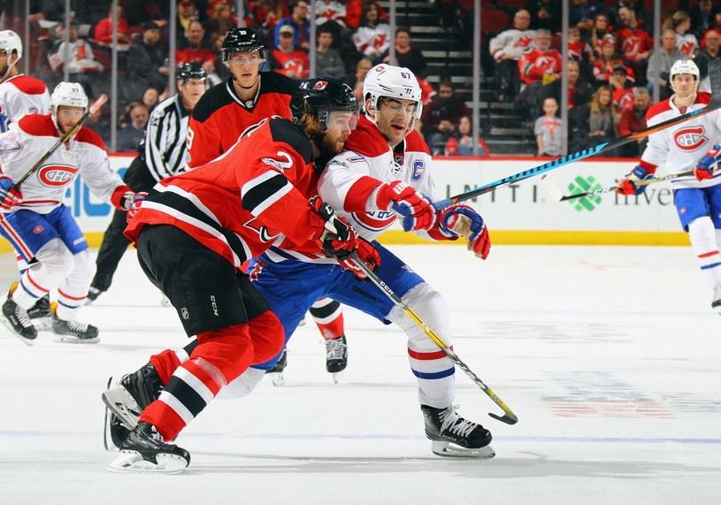 Max Pacioretty (z prawej) w meczu z New Jersey Devils /AFP