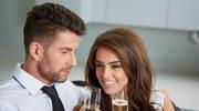 Mąż po alkoholu podrywa kobiety