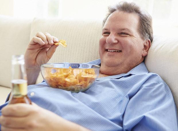 Mąż twierdzi, że jest zadowolony ze swojego wyglądu /©123RF/PICSEL
