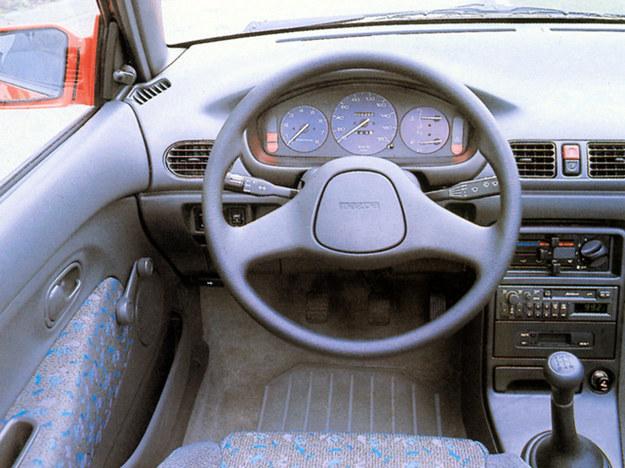 Mazda 121 (DB) 1990-1998 /Mazda