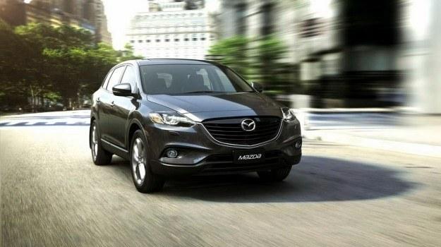 Mazda CX-9 porusza się teraz na kołach z 20-calowymi obręczami. /Mazda