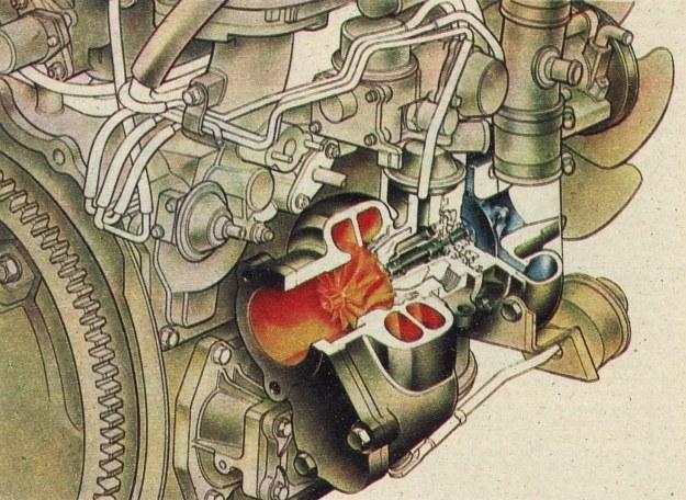 Mazda zdołała dojść do mocy 147 kW z pojemności umownej 2,3 dm3. Wystarcza to, by osiągnąć prędkość 240 km/h. Co ważniejsze, moment obrotowy wynosi aż 265 Nm, a to wskazuje na sporą elastyczność silnika. Sprężarka ma bardzo małe wymiary podwójnego wirnika. Na każdą jego stronę kierowane są gazy z jednej tylko komory spalania. /Motor
