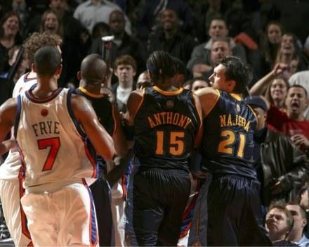 Mecz Knicks - Nuggets zakończył się olbrzymią bijatyką Fot. Nathaniel S. Butler/Getty Images /