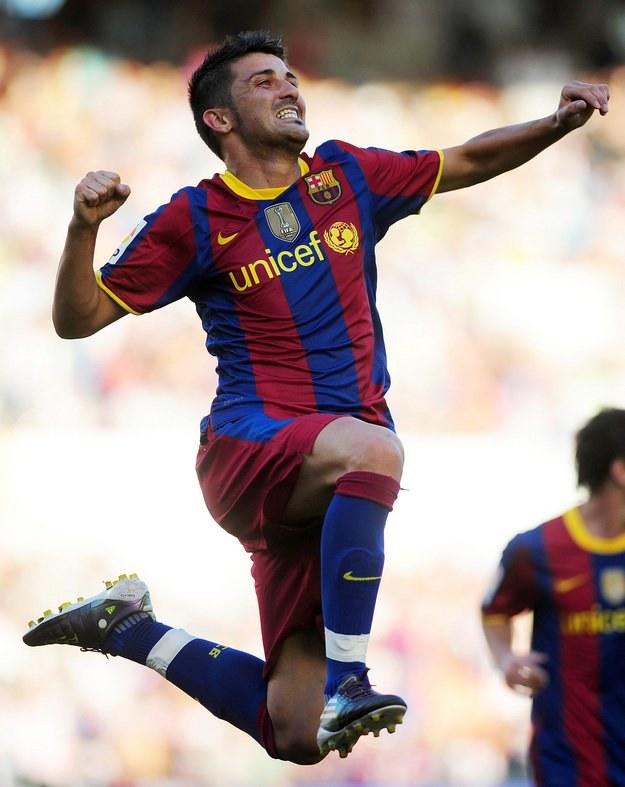 Mecz z Valencią będzie szczególnym wydarzeniem dla napastnika Barcelony Davida Villi /AFP