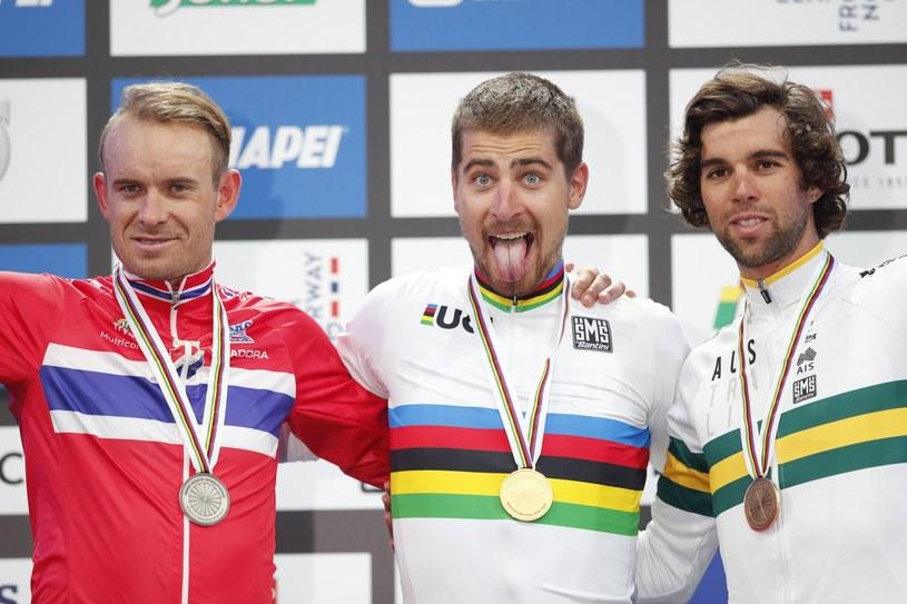Medaliści MŚ: Peter Sagan (w środku), Norweg Alexander Kristoff (z lewej) i Michael Matthews z Australii /PAP/EPA